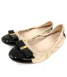 コールハーン COLE HAAN フラット シューズ バレエ リボン バイカラー レザー エナメル ベージュ 黒 ブラック 6.5 靴 FK NVW