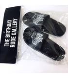 ルードギャラリー RUDE GALLERY The Birthday BACKYARD SANDAL ロゴ プリント サンダル 黒 ブラック 25cm